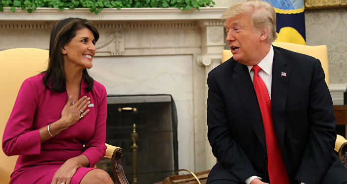 Beyaz Saray'daki Oval Ofis'te Trump Haley'in istifasıyla ilgili açıklama yaptı.