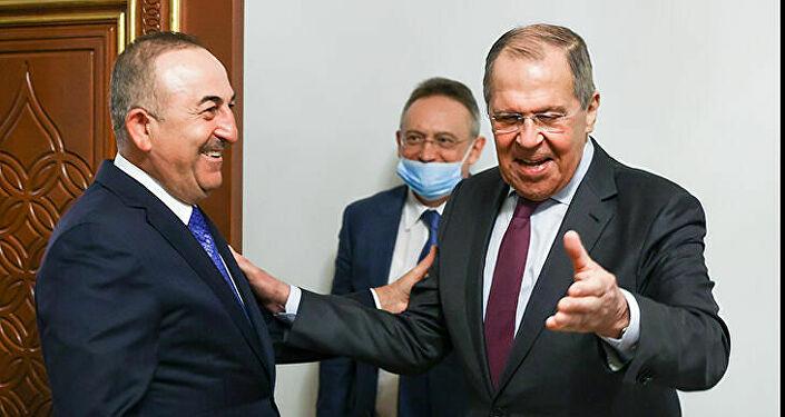 Lavrov: Rusya, Türkiye ve Katar, Suriye'deki ayrılıkçılık girişimleriyle mücadele etme konusunda mutabakat sağladı