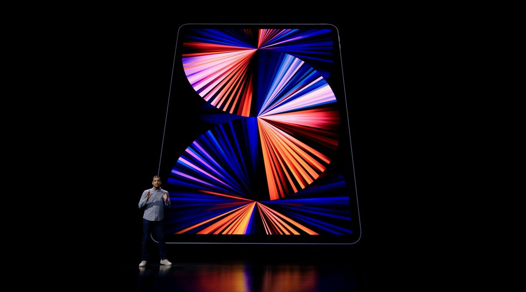 Apple, yeni iPad pro'larda 11 ve 12.9 inç olmak üzere iki opsiyon sunuyor. Söz konusu Mini-LED ekran sadece 12.9 inçlik versiyonda yer alıyor.