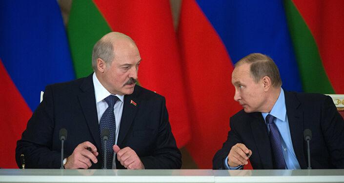 Lukaşenko ile Putin
