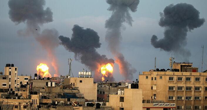 İsrail, Gazze'de çok katlı bir binayı daha vurdu