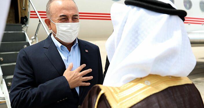 Dışişleri Bakanı Çavuşoğlu, ikili ilişkiler ve bölgesel konuları görüşmek için Suudi Arabistan'da