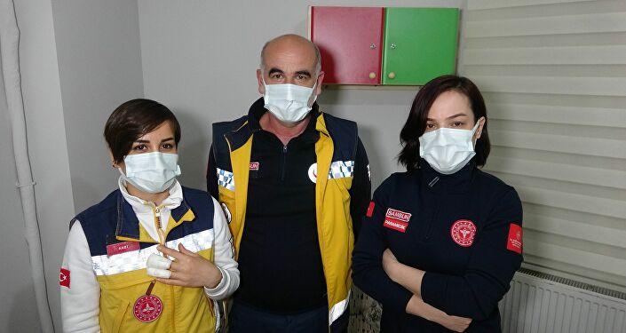 Samsun'da bir kişi ihbarla evine gelen sağlık çalışanına saldırdı